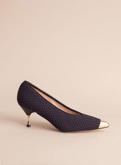 VOSSO Zapato rejilla azul puntera dorada
