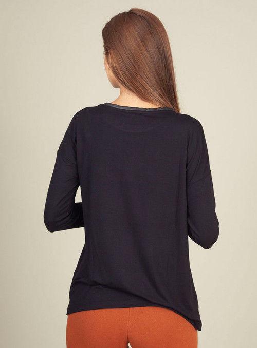 Pisonero Camiseta Negra Estampada Flecos