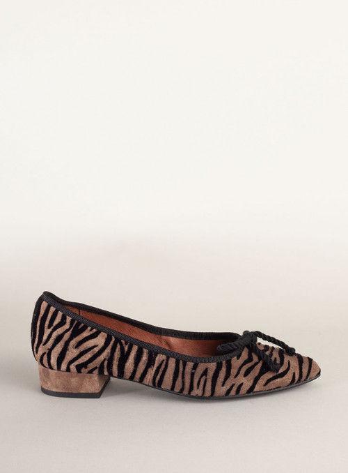 Kess Bailarina estampado cebra marrón