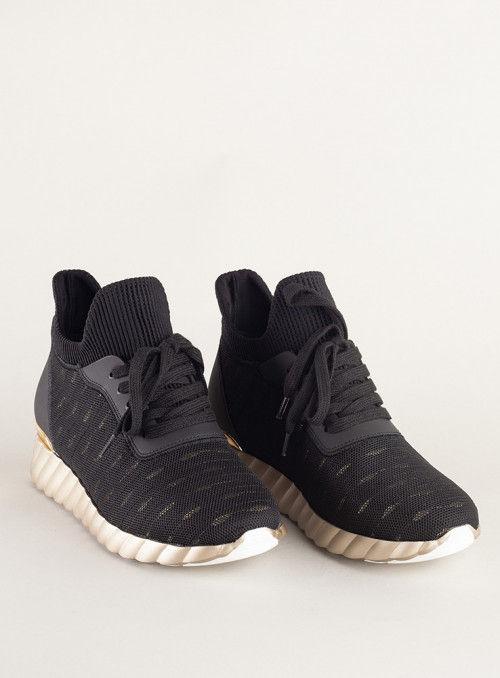 Vossochic Sneaker detalle dorado