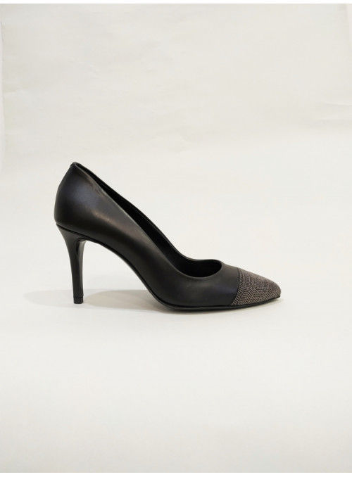 Albano Zapato salón negro puntera metálica