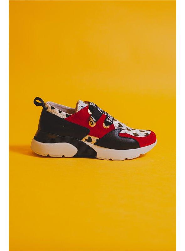 Nival Sneaker estampado corazones