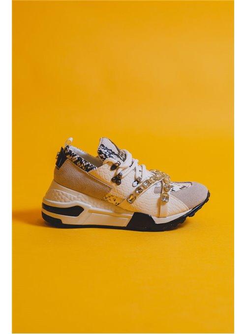 Steve Madden Sneaker print pedrería