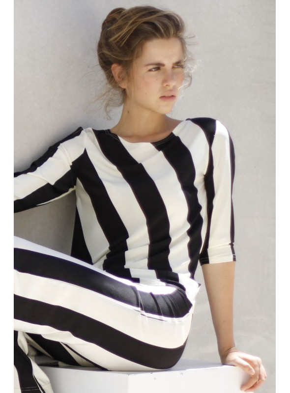 Marea Baja Camiseta asimétrica blanca/negra