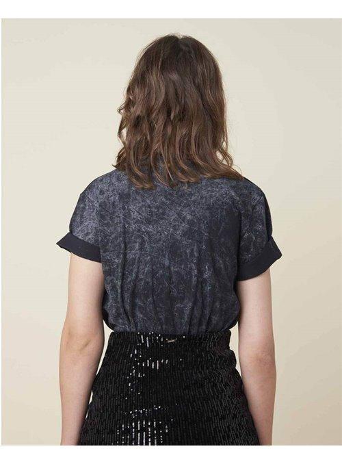 8PM Camiseta Negra Lavada