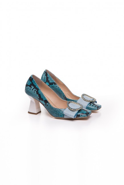 Ras Zapato con print de serpiente azul